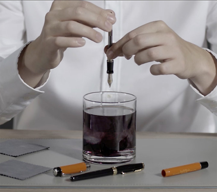 万年筆のペン先のクリーニング方法